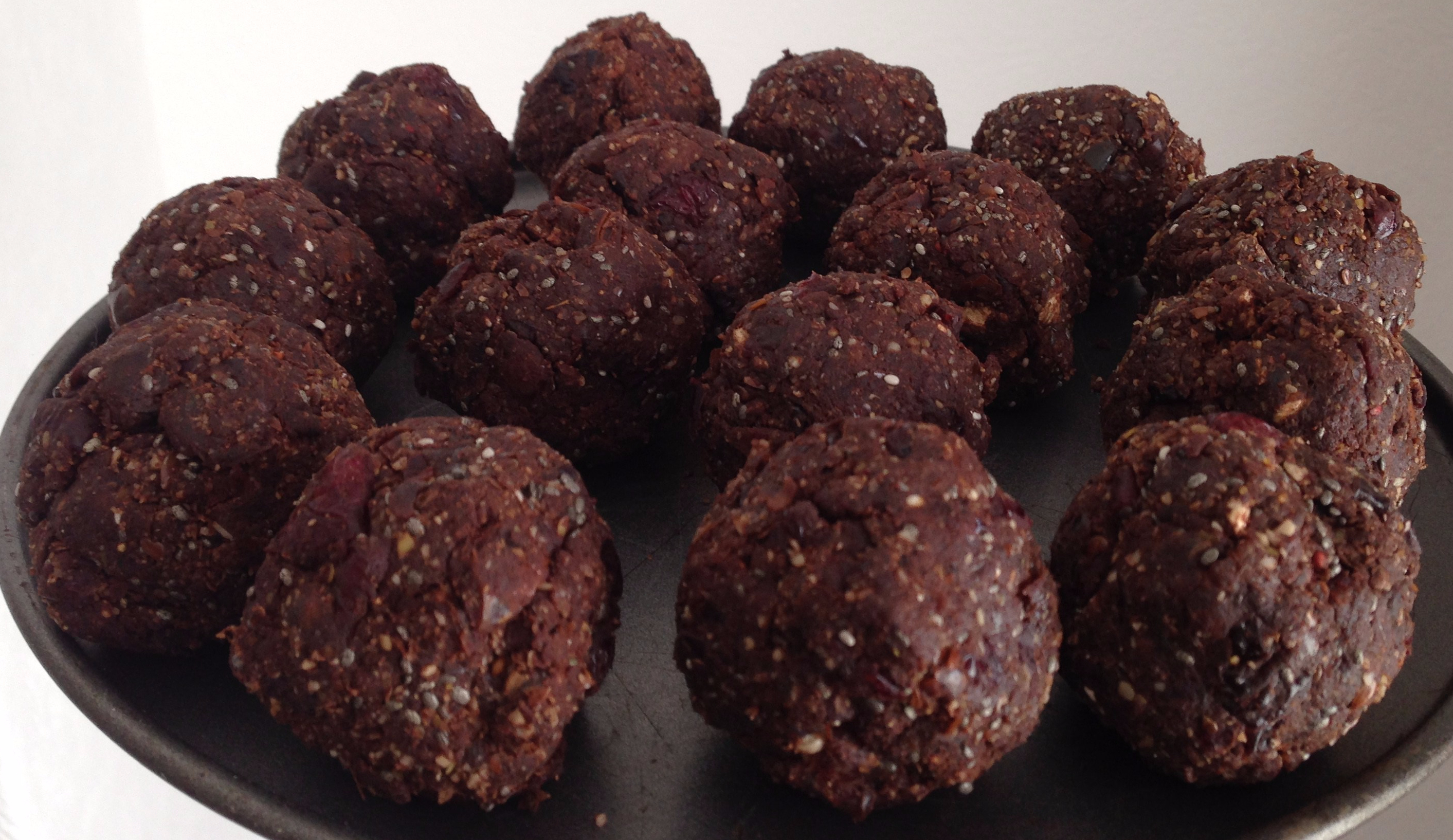 batch-of-energy-balls.jpg