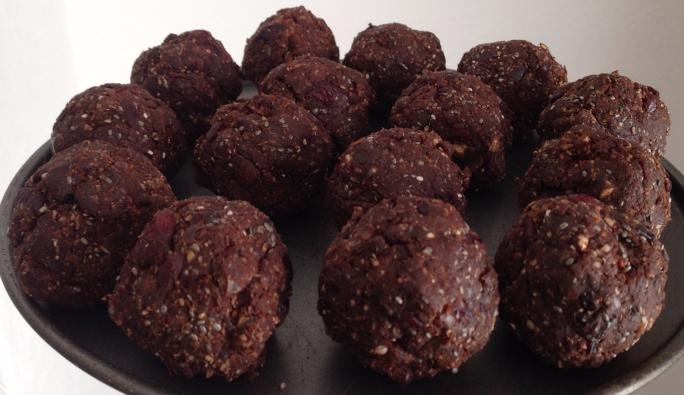 batch-of-energy-balls.jpg