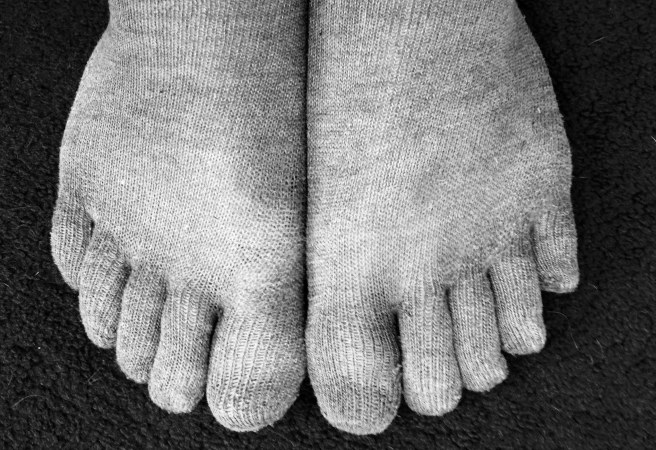 Grey Running Toe Socks
