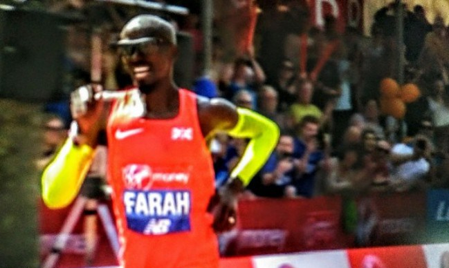 Mo Farah running London Marathon 2018